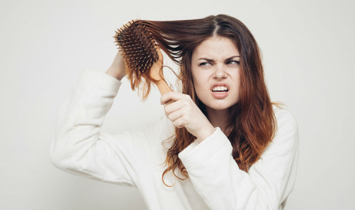 How to manage frizzy hair in winters